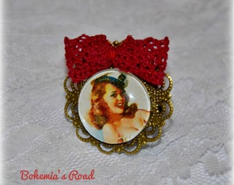 Red Vintage Fifties pinup cabochon ring