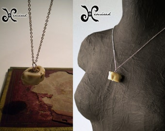 Pendant - fossilized plant - Bronze, Chrome, silver, wood - costume jewellery