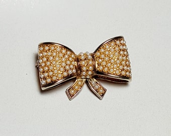 Vintage Bow Pearl Brooch Pin Signed Risor/Gold Tone Bow Brooch Pin/Faux Pearl Bow Brooch/