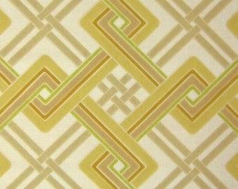 Vintage Wallpaper Linked Squares per meter