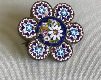 Antique tiny mosaic flower brooch set in gilt metal with tube hinge - early 20c