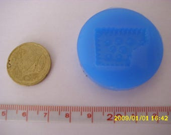 "1 2.5 X 2 cm ""biscuit"" silicone mold"