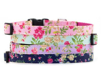 Floral Collar // Cats & Little Dogs // 3/8 in width // Breakaway or Standard Buckle // Pattern: Cottage Rose in Navy, Purple, Blue, and Pink