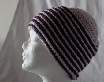 Beautiful crochet hat in violet and pink