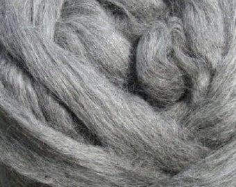 Gray Gotland Roving 16 oz Alba Ranch  Wool Combed Top Spinning Wool Undyed