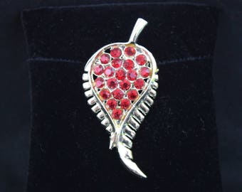 Vintage silver tone and red stone leaf  feather leaf brooch pin 1960s 1970s