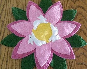 Bunny Go Round,  Flower Penny Rug, Wool Felt Table Topper,  Penny Rugs, Pink Flower Mat,