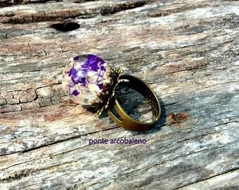 Resin globe ring/bronze ring/ vintage/ real flower/ dried flower/ adjustable ring/ ball/ handmade/ gift/ flower ring/