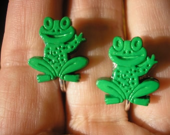 """Play Earring - Clip - Happy Frog - Green - 1/2"""""""