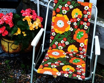 Vintage Folding Metal Lawn Chair, Flower Power, 1970's, Garden Chair, Camping, Patio Furniture, Soccer Mom Chair,
