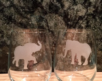 Set of 2 or 4 Poses,Etched Elephant Wine Glasses,Elephant Wine Glasses,Elephant Barware,Stemless Elephant Glass ,Elephant Glasses,Elephants