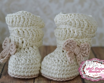 slouch boots - crochet baby booties - ivory - baby girl boots - 0 3 month -  baby shower gift - baby boots - crochet boots - baby shoes