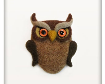 Owl Needle felted brooch, Pin, Handmade, Wearable Art, Soft Sculpture, One of a kind jewelry