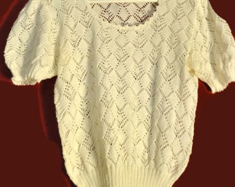 Vintage 70s80s Top white ShortSleeve Pointelle Pullover Knitwear Size s