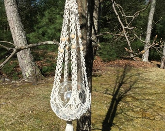 Macrame plant hanger, unique cradle style, off white 4 mm Polyolefin cord with wooden beads, rustic design