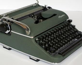 Typewriter OLYMPIA SM 3 - working typewriter with case