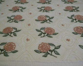 Vintage never used Everwear chenille bedspread, roses all over