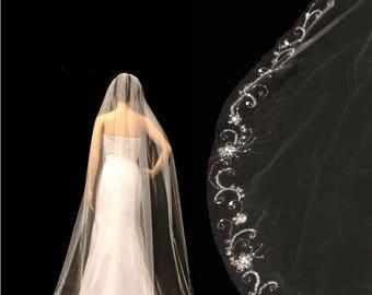 white or ivory champagne veil