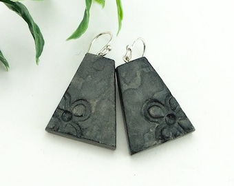 Black earrings, Clay jewelry, Flower earrings, Hand painted earrings, Clay dangle earrings, Modern earrings, Artisan earrings, Organic clay