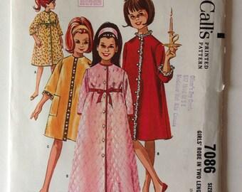 McCalls 7086 UNCUT Girls Housecoat Size 7 Vintage 1963