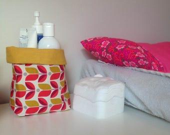 Basket in mustard linen fabric and printed fuschia