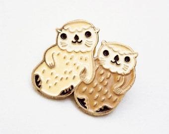 Otters Holding Hands Enamel Pin - Kawaii Otter Pin - Otter Jewelry otter lapel pin otter enamel pin - sea otter pin - cute pins, animal pins