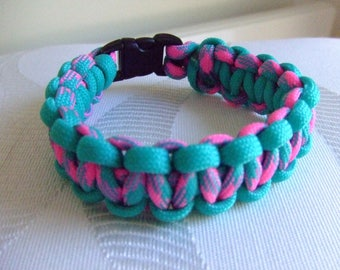 Cobra weave Paracord survival bracelet
