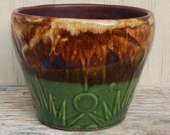 Arts and Crafts Vintage Pottery Planter!