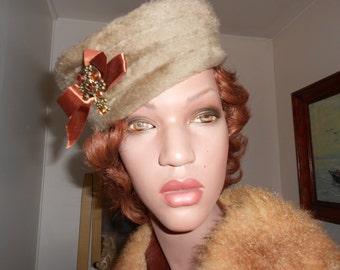 1950's Tan Faux Fur Pillbox Hat w/Bronze Adornment
