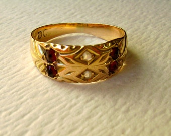 victorian gypsy style gold ring with rubies and diamonds, size 5.75