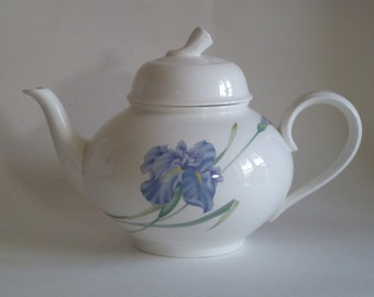 Mother's Day Gift/Tea Pot with lid/Christopher Stuart Tea Pot/Blue Iris Y1519, floral Pattern/Bone China/modern style/Mother Grandmother
