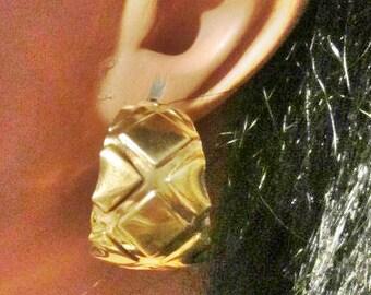 Vintage Gold Hoop Pierced Earrings