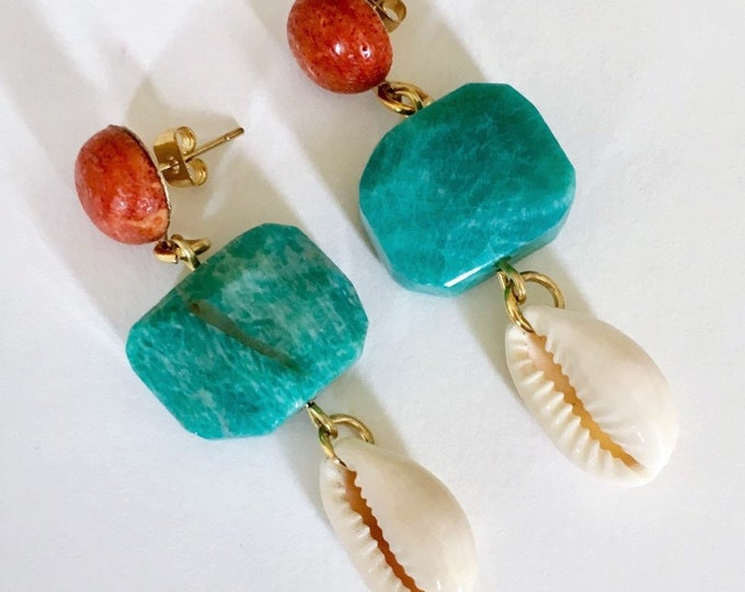 Cowrie shell, amazon stone and coral golden earrings