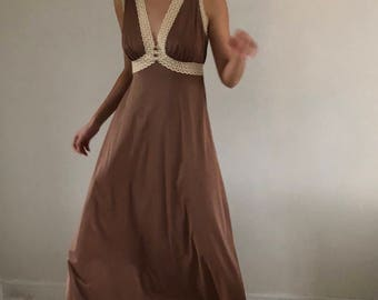 70s vanity fair / babydoll nightgown / vintage nightgown / ankle length | cocoa brown lace | xs s