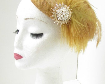 Gold & Ivory Feather Fascinator Headpiece Hair Clip Pillbox Vintage Races 6AD