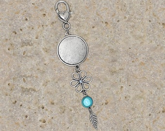 bag charm or key holder round 25 mm flower cabochon, blue