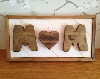 Rustic Pallet Wood 'Mum' Sign