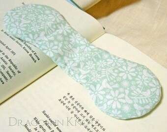 Pale Green Book Weight - Scandinavian Style Flowers and Birds - Weighted Page Holder, Page Marker, Place Keeper, Book Opener