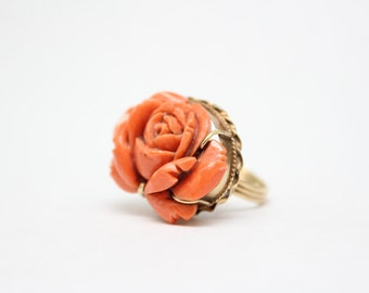 Vintage Carved Coral 14K Yellow Gold Rose Ring