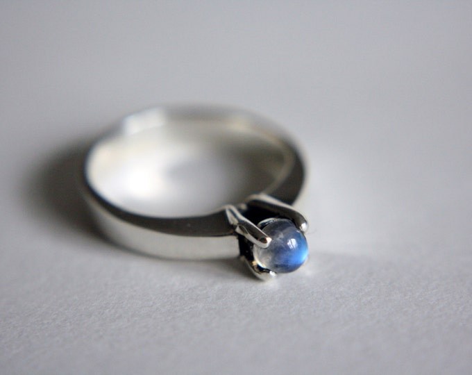 Moonstone Solitaire Ring in Sterling Silver - sterling silver moonstone ring - moonstone solitaire ring - rainbow moonstone ring