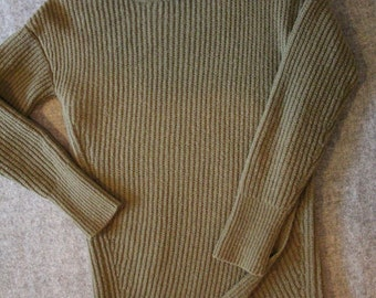 long, olive green pullover / long, olive green sweater