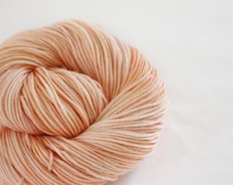 Peach Fizz- Goldfinch - 100% Superwash Merino DK weight