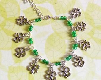 Bracelet: lucky clover