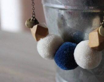 Necklace • CORA color white / blue