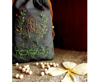 Spiritual Triquetra Tarot Bag, Embroidered Tarot Deck Bag, Tarot Card Bag, Tarot Purse, Tarot Case