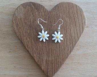 Ceramic Flower Earrings - White Daisy