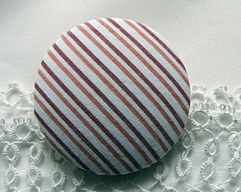 Button in pink and white striped fabric 40 mm / 1.57 in
