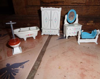 1980 Mattel metal dollhouse furniture 6 pieces, The Littles
