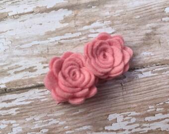 Pink felt flower hair clip - felt bows, felt flower clips, felt hair bows, baby hair bows, hair bows for girls, hair bows, baby bows, bows