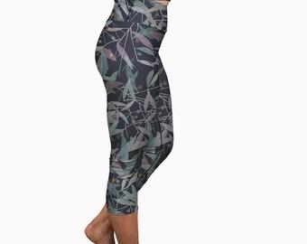 Capri Yoga Leggings Watercolor Leaf Print, Short Yoga Pants, Summer Workout Pants Gym Capris Fitness Running Capris Pilates Cropped Tights
